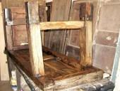 Il banco antico da lavoro dopo il restauro