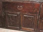 Frontale del mobile ricavato da una antica porta