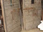 Due porte da prigione in vendita