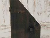 8)Vista anteriore antina in castagno.