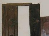 Stipo antico a muro del ' 600, aperto.