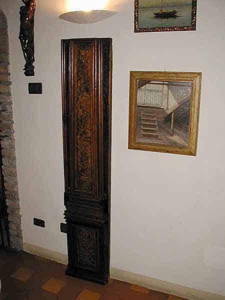 Coppia di lesene intarsiate del ' 600 restaurate.