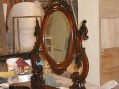 La specchiera antica restaurata e lucidata.