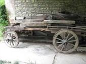 1)Il primo carro in legno antico un pò rovinato
