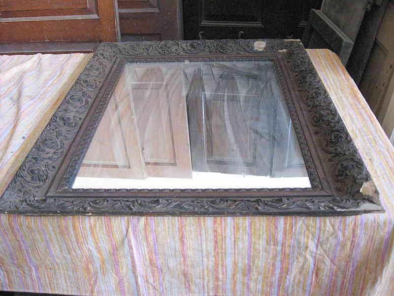 La cornice antica prima del restauro