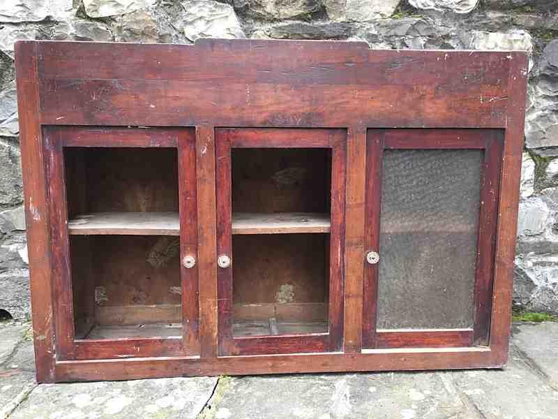 Credenza Con Porte Scorrevoli : Porta antica e credenza per interni moderni portantica