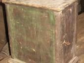 Antico tabernacolo in legno