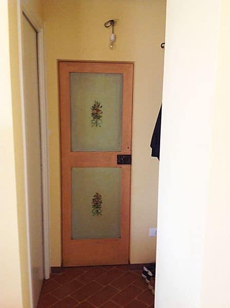 Come restaurare porta antica laccata e dipinta portantica - Laccatura cucina rovinata ...