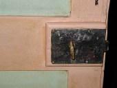 Dettaglio serratura originale funzionante.