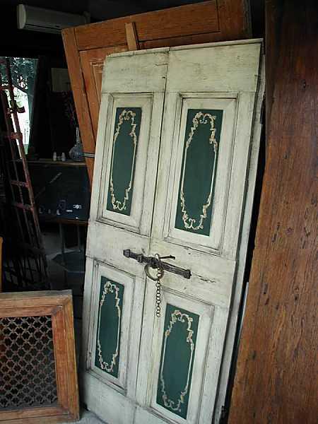 Porta antica rustica laccata restaurata portantica - Restauro finestre in legno ...