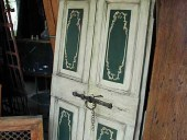 Porta antica laccata e dipinta, altra vista