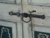 Catenaccio, serratura originale, chiave e catenella fatti a mano.