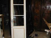 Piccola porta antica restaurata, laccata, dorata ed anticata.