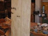 Vecchia porta di case di campagna, laccata a mano ed anticata.