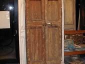 Una delle due vecchie porte allungate
