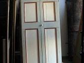 Vista frontale porta laccata.