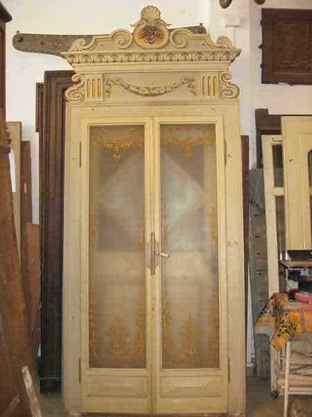 Porta antica laccata a 2 battenti  completa di maestà
