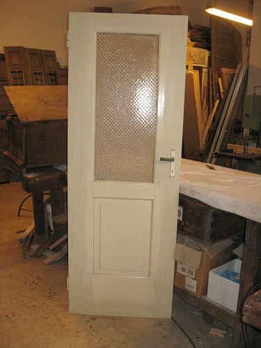 La porta ultimata e ritoccata nelle parti rifatte