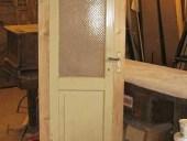 Porta antica trasformata in larghezza e lunghezza