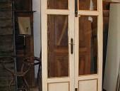 Porte decorate antiche; porta antica a giorno laccata in avorio.