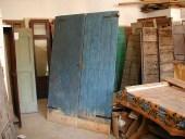 La porta antica(o il portone) di fienile dopo l'allungamento