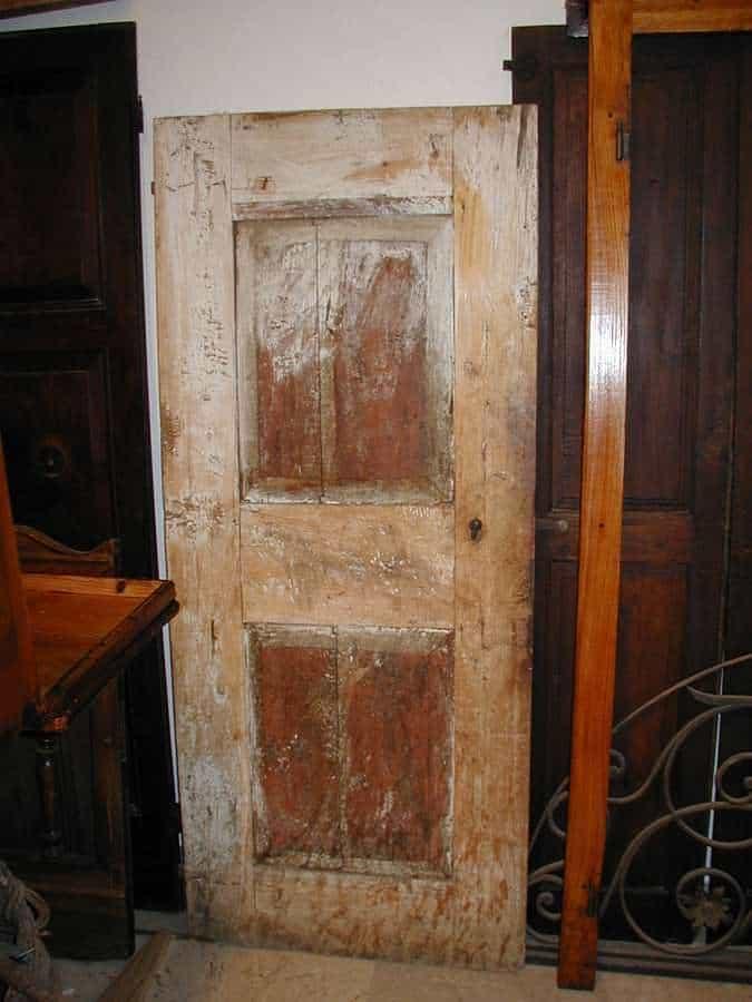 La porta antica prima del restauro cosi come mi è arrivata in bottega.