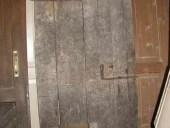 6)Splendida porta antica del ' 700, ancora intatta.