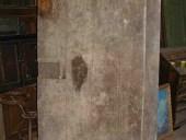 Porta rustica antica prima del restauro.