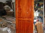 Piccola porta in larice restaurata