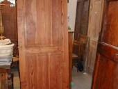 Porta antica in larice.