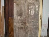 La porta antica prima del restauro.