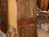 I due battenti della porticina prima del restauro.