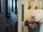La porta antica collocata.