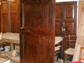 Lato anteriore porta in quercia restaurata ed allungata.