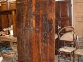 Vista posteriore del portone restaurato.