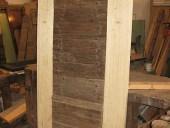 Porticina antica diventa porta per arredare interno abitazione