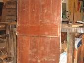 Porta rustica vecchia fatta a mano vista posteriore