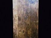 Porta antica del ' 600 che arreda interni moderni minimalisti