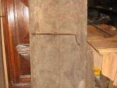 Lato interno porta antica prima del restauro