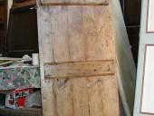 Porta vecchia fatta a mano restaurata.
