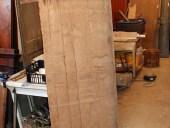 La piccola porta prima del restauro nella vista posteriore.