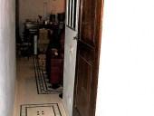 Una delle 2 porte in noce restaurata inserita nell'interno