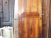 L'Altra porta in noce restaurata
