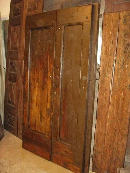 8) Il portone antico restaurato