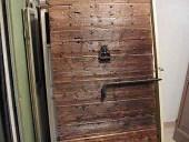 3) Il portone antico per interni restaurato