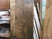 9) Il portoncino diventa porta restaurata e scorrevole