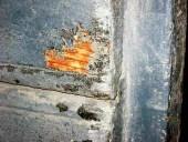 11) Una zona dalla quale emerge il colore del caldo rosso dorato del larice