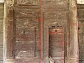 Il grande portone antico con le sue misure