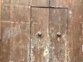 Altra vista portone antico prima del restauro