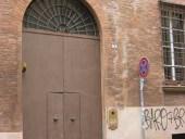 Portone antico monumentale restaurato e collocato